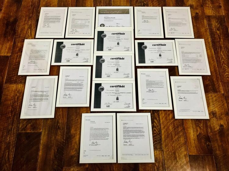 fot2. Certyfikaty szkoleń i kursów.